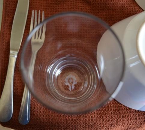 Horde pub glass (on base)
