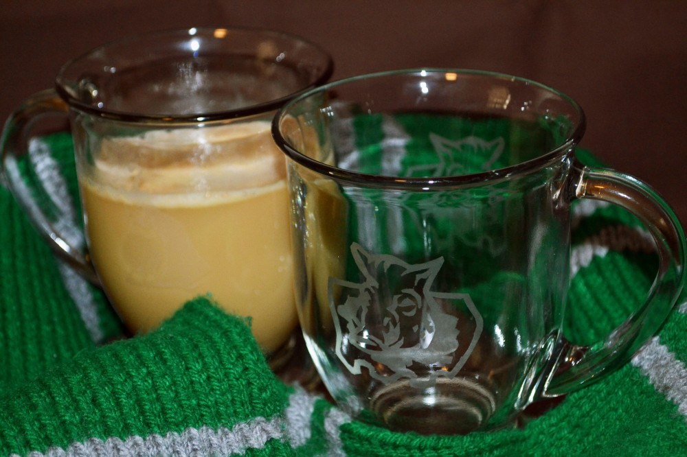 Hogsmeade cafe glasses 3