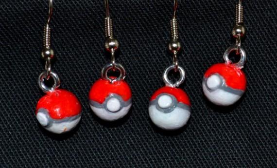 Pokeball dangle earrings