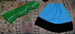 Beanie, blue + green b